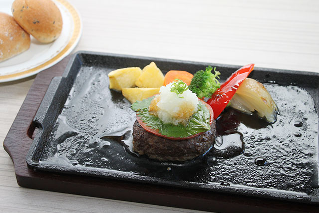 EMO和牛肉のハンバーグステーキ